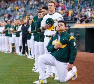 bruce_maxwell_national_anthem